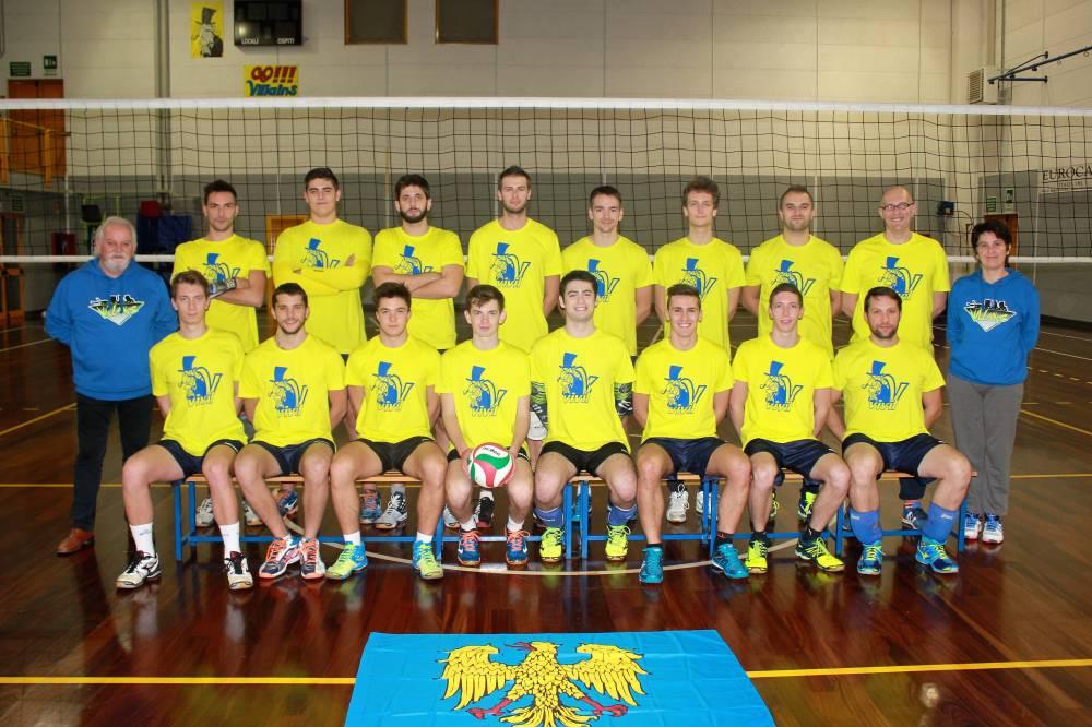 Il Team con le magliette da riscaldamento 2016/17 by ZURICH
